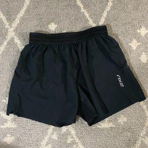 2xu black lightweight shorts
